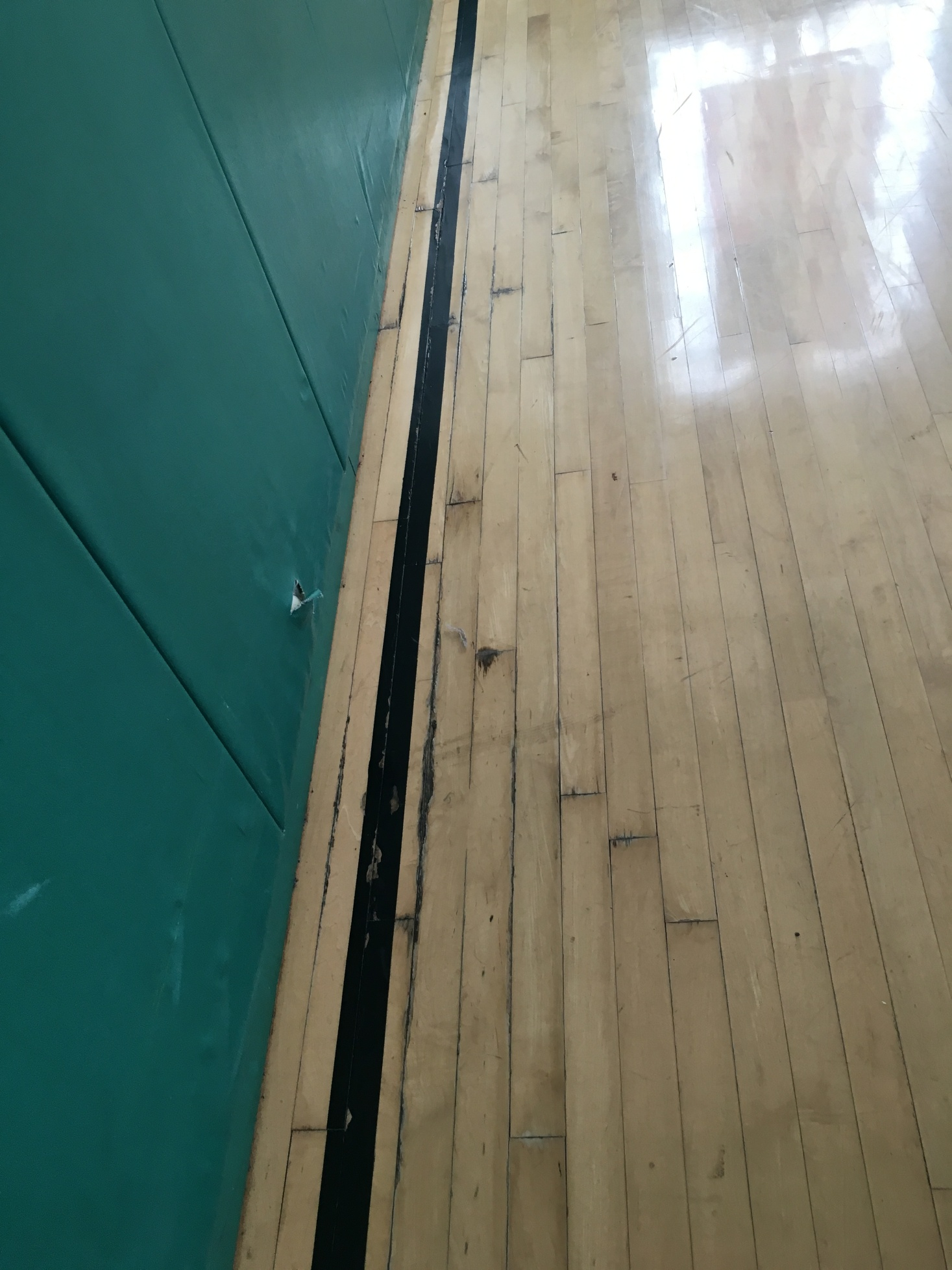 603 Damaged floor